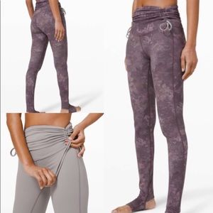 Lululemon Hug your core tights